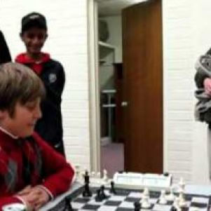 10-year-old beats International Chess Master in 4-minutes