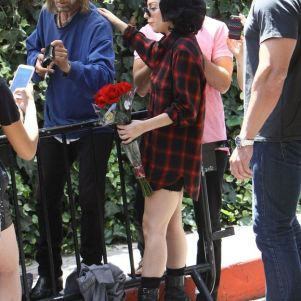 Lady Gaga Accepted Homeless-Man`s Gift Of Ring….
