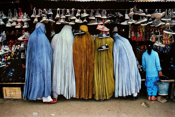 The Untold from Steve McCurry: The stories behind the pictures... (13)