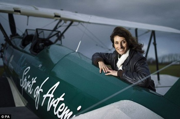 The Woman Repeated The Legendary Solo Flight At 13,000 km (7)