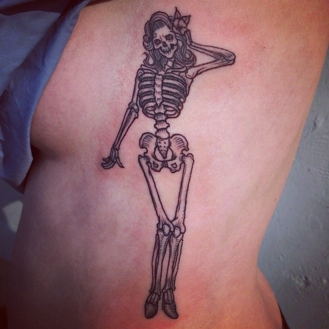 Pinup skeleton girl