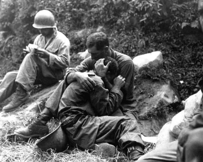 Not you typical humanporn but a grief stricken Infantry man in Korea is comforted another soldier after his buddy died