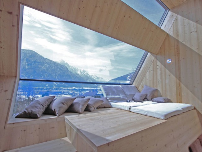 Room with a view of the Austrian Alps [1200x900]