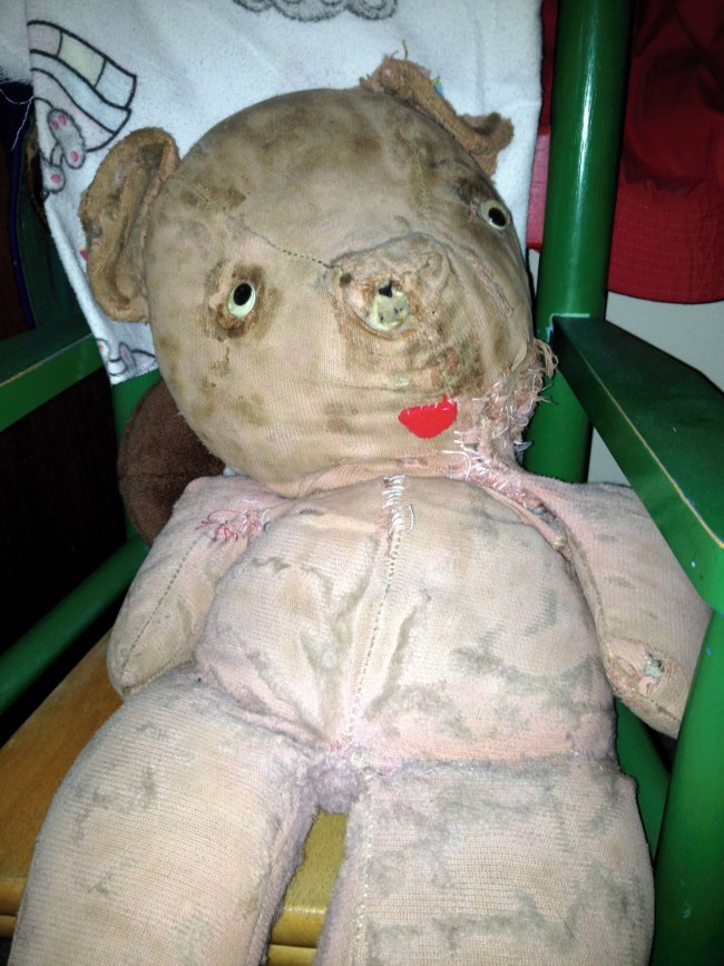 This is my mom's teddy bear from when she was a kid. It looks like something out of a horror movie now. Meet Flopsy, Reddit!