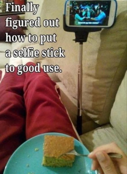 the_selfie_stick_has_to_be_the_worst_invention_ever_640_28