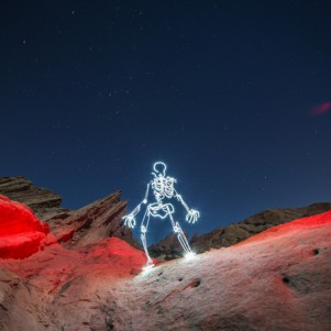 Animated light paintings by Darius Twin