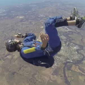 Skydiver Has Seizure at 9000ft, Free Falls Unconscious