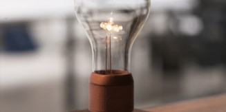 Levitating Lamp: Flyte by Simon Morris