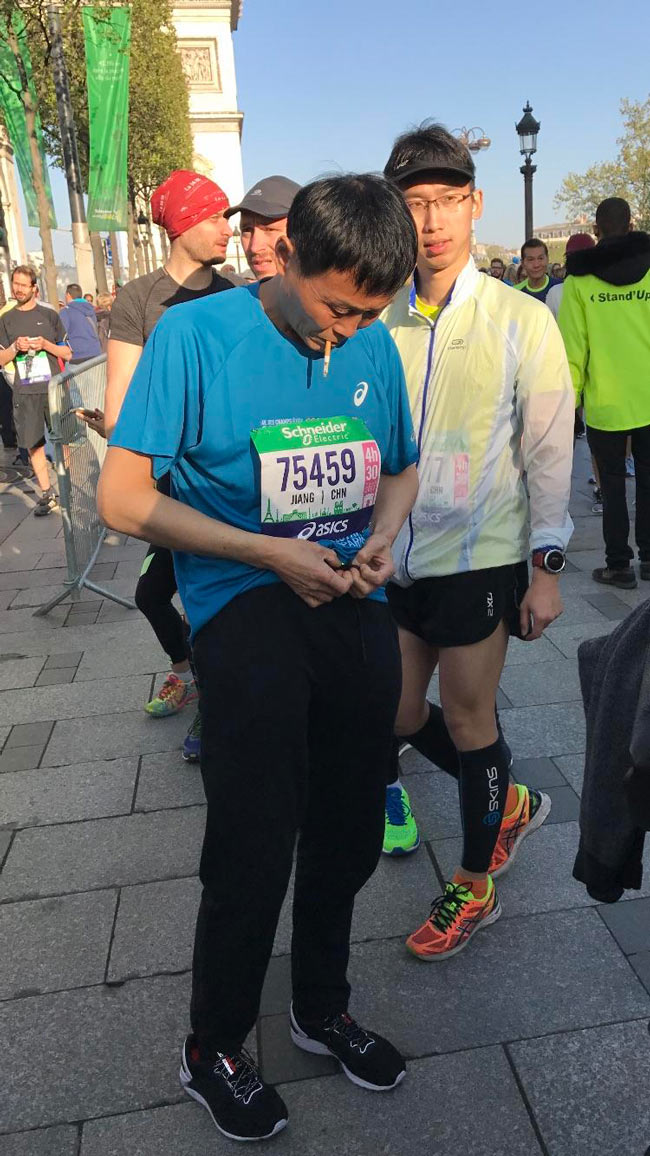 Saw this guy warming up before the Paris marathon