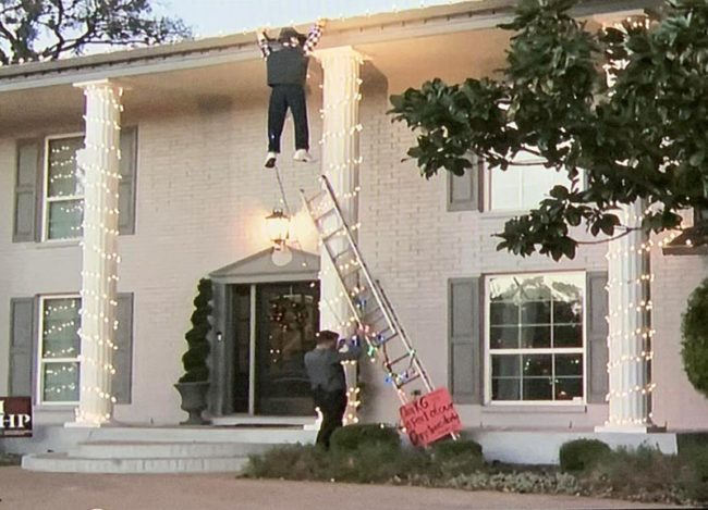 A Griswold Christmas display, causing locals to call 911 in Austin!